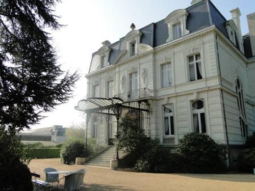 Chateau De Verrières