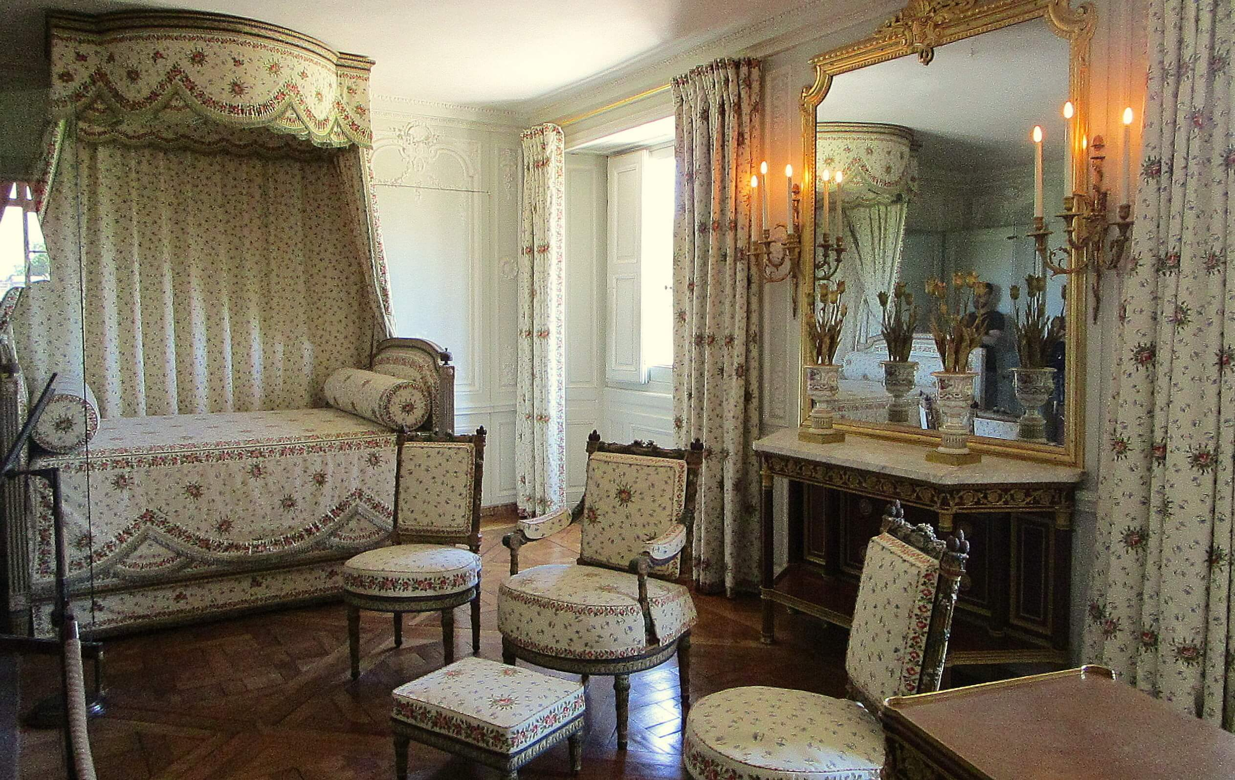 Marie Antoinettes Bedroom at the Petit Trianon