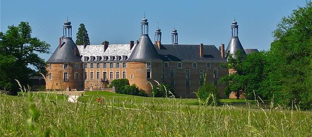 Saint Fargeau Castle by Laurent Pandini - wikimedia