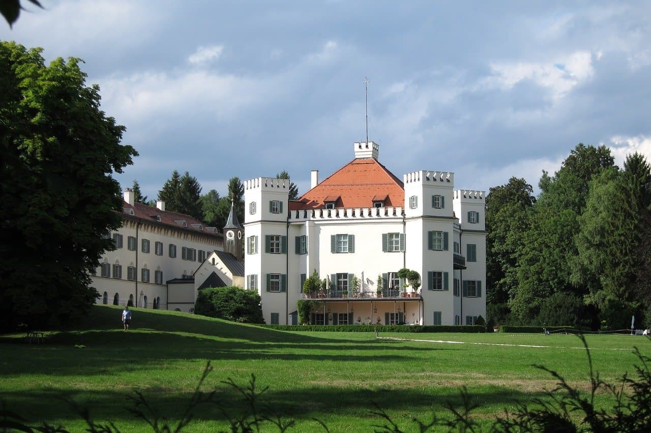The real Schloss Possenhofen, the childhood home of Sisi. Nowadays it's privately owned and only visible from the lake.