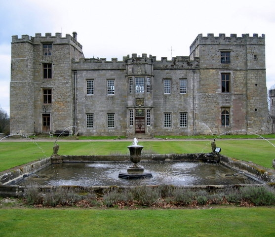 Chillingham Castle - geograph.org.uk - 1282710