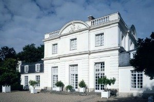 The Hermitage opposite the Chateau de Fountaineblue