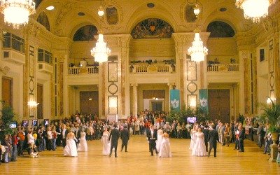 Nowadays there are still balls in the ballroom of the Hofburg