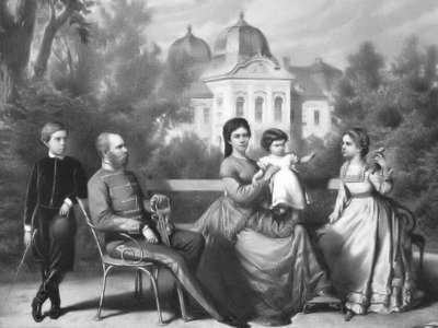 Franz-Joseph, Elisabeth and their children in the garden of te Royal palace of Gödöllö