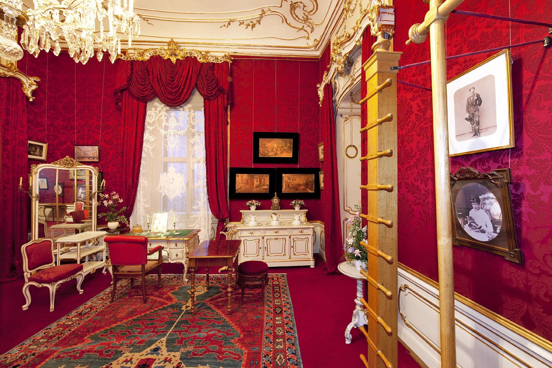 Hofburg Vienna, Empress Elisabeth's dressing/exercise room (Vienna Hofburg, Imperial Apartments) © Schloß Schönbrunn Kultur- und Betriebsges.m.b.H. - Lois Lammerhuber