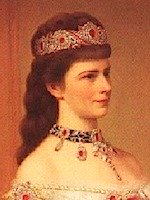 From 1875 Sisi had a bang, which was fashionable than